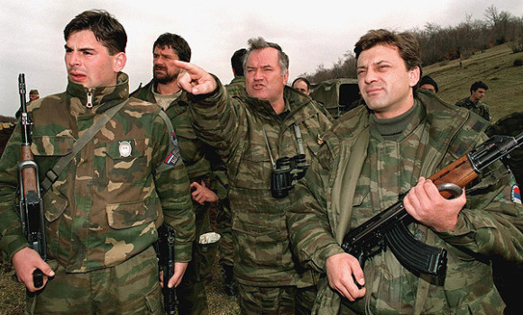 Ratko Mladic (centre) in 1994. (Photo: Emil Vas/Associated Press)